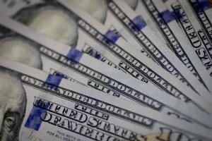 dejstvitelno-li-padenie-kursa-dollara-mozhet-stat-prichinoj-novogo-mirovogo-krizisa1